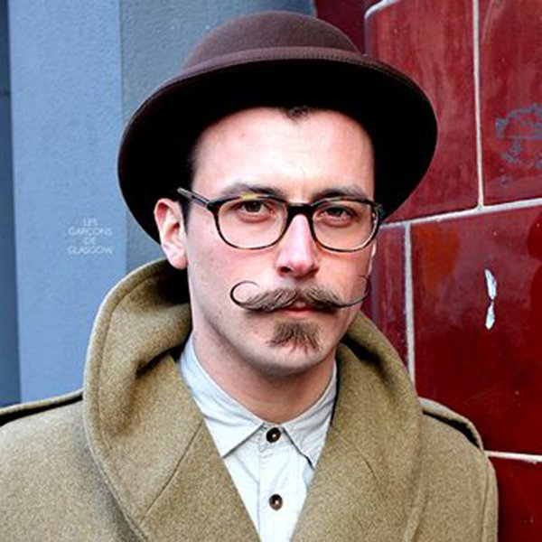 3. Low-shaven mustache with long tips and soul patch